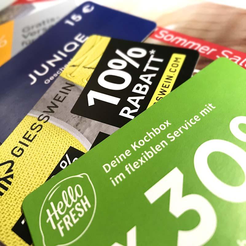 Gestaltung ansprechender Gutscheinkarten mit unterschiedlichen Rabattcodes