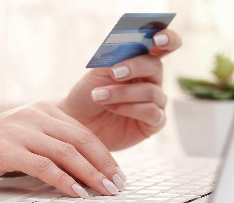 Zahlung per VISA Card oder Master Card ist mittels PayPal ohne Account möglich. Somit sind neben PayPal Plus meist keine weiteren Zahlungsanbieter erforderlich. Die Online Agentur Five8 übernimmt die Einrichtung und Konfiguration von PayPal Plus im Webshop des Händlers.