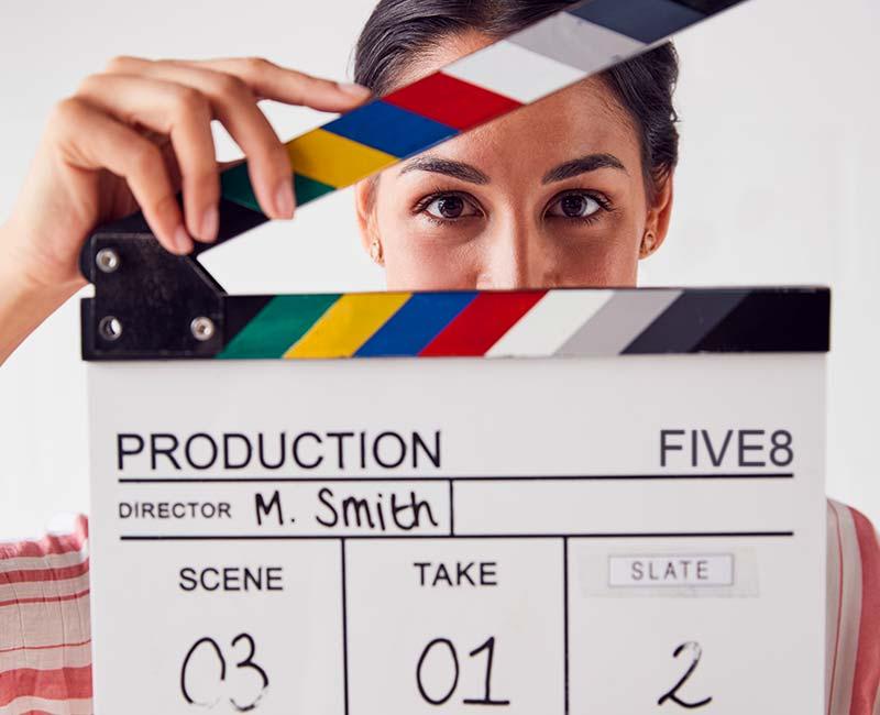 Sowohl eine Website als auch ein Onlineshop profitieren von einem Video als Produktvideo, Erklärvideo oder Imagevideo. FIVE8 bietet die Videoproduktion bzw. Filmproduktion sowie auch die Integration der Videoclips in eine Website oder Onlineshop, den Aufbau eines YouTube Kanals oder die Umsetzung von Werbekampagnen, für die das Produktvideo als Werbefilm zum Einsatz kommt.